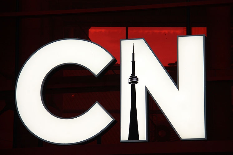 Toronto Photos :: CN Tower :: CN Tower Sign