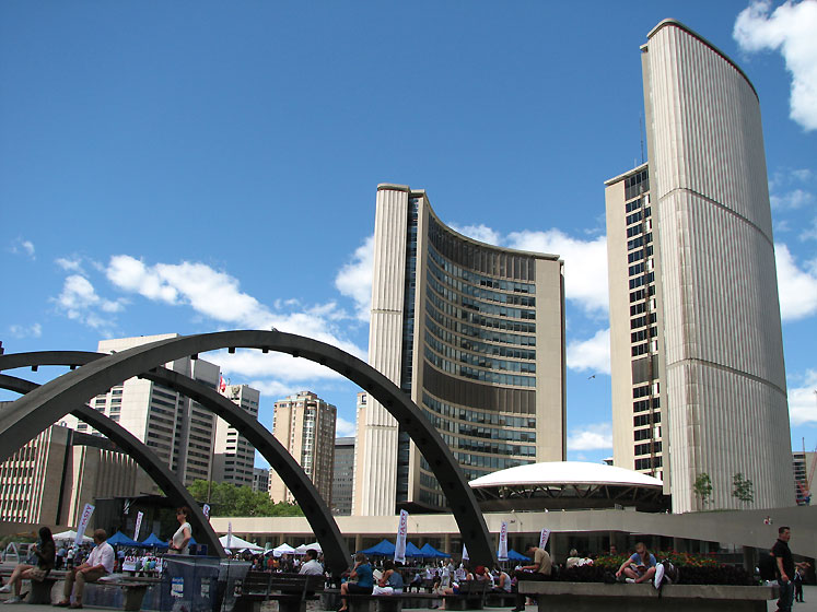 Toronto Photos :: Nathan Phillips Square  :: Downtown Toronto - City Hall