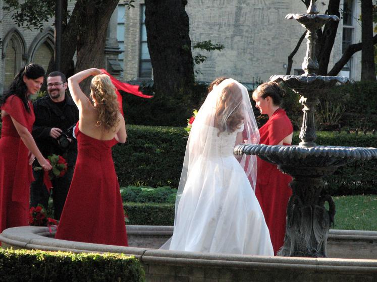 Toronto Photos :: King Street :: Scottish wedding. Park of St. James cathedral