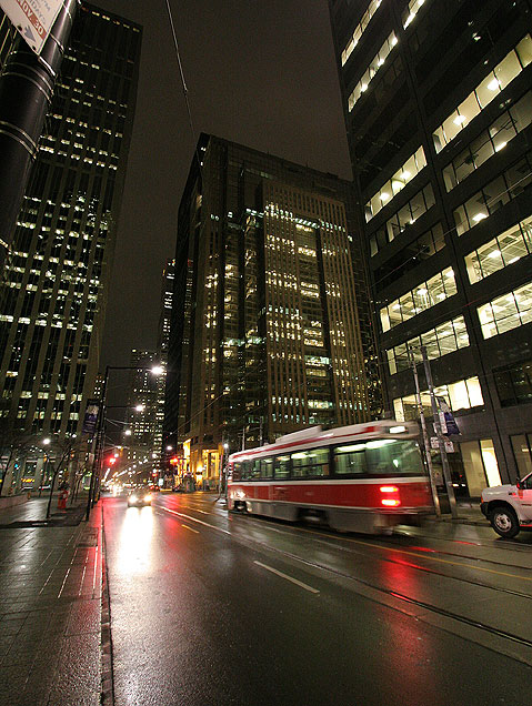 Toronto Photos :: Night views :: Toronto. Streetcar at night