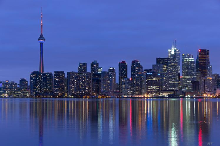 Toronto Photos :: Panoramic views :: Downtown panoramic view at night