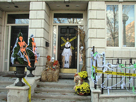 Toronto Photos :: Halloween :: Toronto. Halloween Decorations