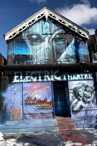 Toronto Photos :: Wall Murals & Graffiti :: An Art Gallery at the Kensington Market