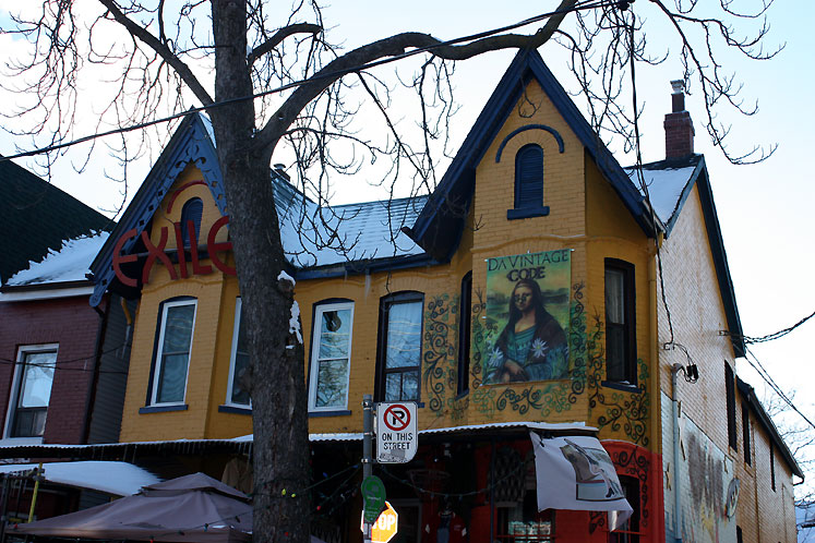 Toronto Photos :: Kensington market :: Kensington Market - a painted building