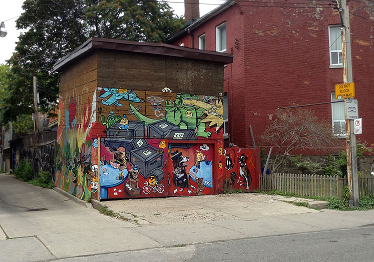 Toronto Photos :: Wall Murals & Graffiti :: One of the many wall murals at Kensington Market