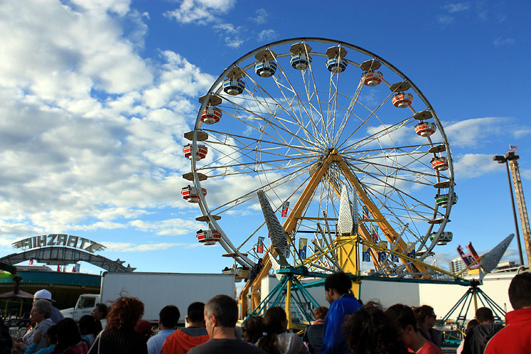 Toronto Photos :: CNE :: CNE - blue sky