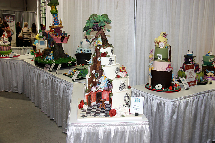 Toronto Photos :: Canadas Baking And Sweets Show 2013 :: Canada`s Baking & Sweets Show 2013. AA contest of the themed cakes