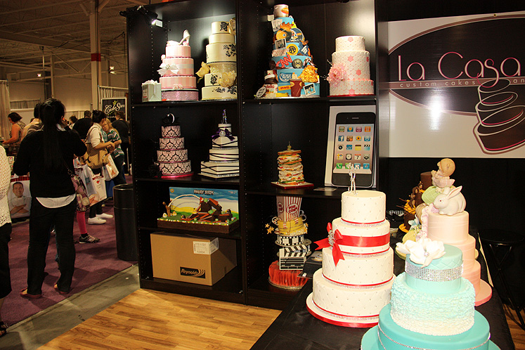 Toronto Photos :: Canadas Baking And Sweets Show 2013 :: Canada`s Baking & Sweets Show 2013 - themed cakes