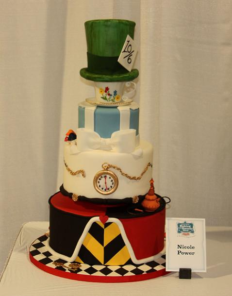 Toronto Photos :: Canadas Baking And Sweets Show 2013 :: Canada´s Sweets & Baking Show 2013. Themed cake  - Alice in Wonderland