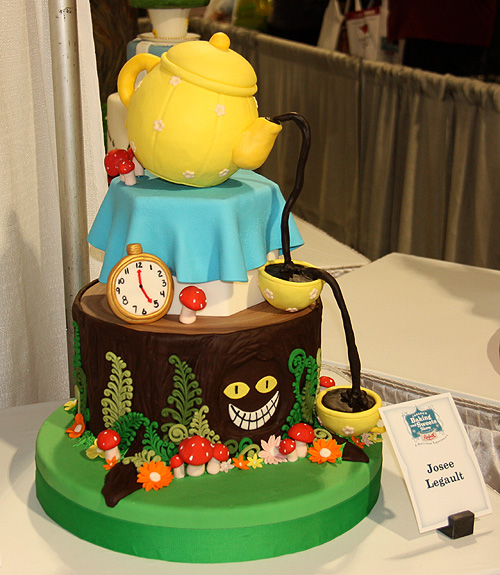 Toronto Photos :: Canadas Baking And Sweets Show 2013 :: Canada`s Baking & Sweets Show 2013 themed cake by Josee Legaut