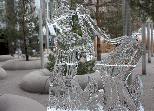 Toronto Photos :: Toronto Ice Fest 2012 :: Toronto Ice Fest 2012 - Yorkville - a fisherman