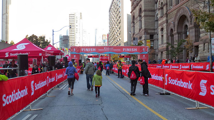 Toronto Photos :: Polin :: Toronto. Scotiabank marathon, October 2013 - Finish