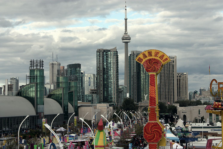 Toronto Photos :: CNE :: View on CN Tower from CNE