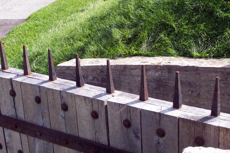 Toronto Photos :: Fort York :: A fence in Fort York