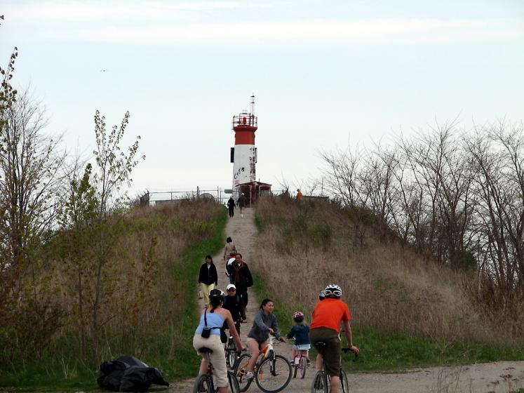 Toronto Photos :: Tommy Thompson Park :: Toronto. Tommy Thompson Park - a lighthouse