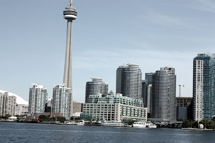 Toronto Photos :: Waterfront :: A view on waterfront condominiums from a boat