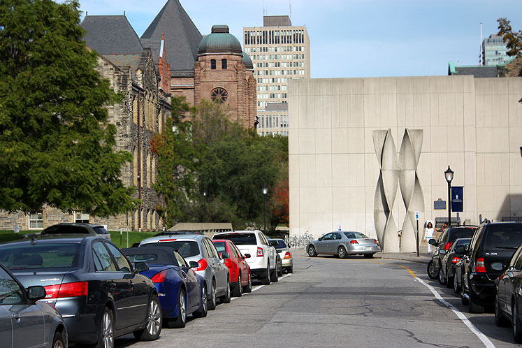 Toronto Photos :: University of Toronto :: A parking lot at the University of Toronto