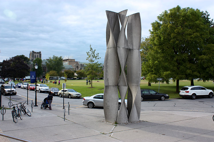 Toronto Photos :: Sculptures in the city :: A sculpture at the University of Toronto