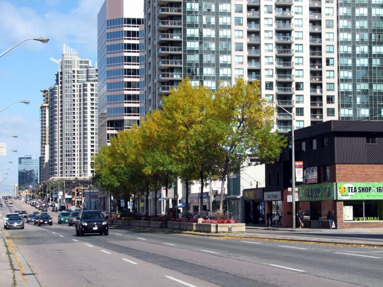 Toronto Photos :: Yonge Street :: North York. Yonge St.