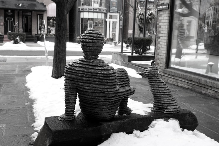 Toronto Photos :: Winter :: A sculpture in Yorkville