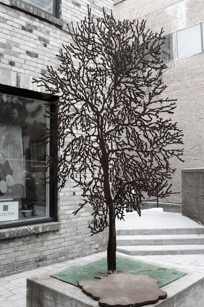 Toronto Photos :: Sculptures in the city :: Yorkville. A sculpture of the tree